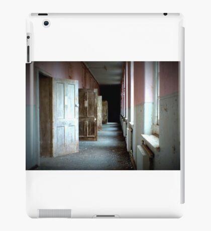 Darkness beyond the doors of sanity iPad Case/Skin
