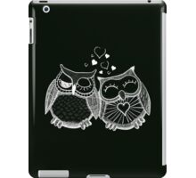 Cute owl couple with hearts iPad Case/Skin