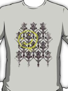 221B wallpaper T-Shirt
