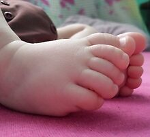 Noah Feet by tuessa