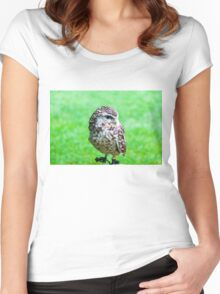 Close up portrait of little Owl against green background Women's Fitted Scoop T-Shirt