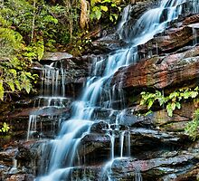 Aqua Veil, Somersby Falls by Chris  Randall
