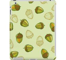 Green acorns pattern iPad Case/Skin