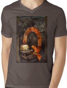 Steampunk - Alphabet - Q is for Qwerty Mens V-Neck T-Shirt