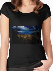 Dramatic Cuenca Women's Fitted Scoop T-Shirt