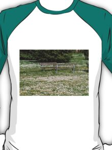 flowery meadow with daisies T-Shirt