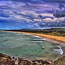 Storm Warning by wallarooimages