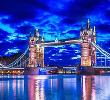 Tower Bridge Of Lights by Gavin Ward