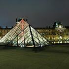 Pyramide du Louvre 004 by agu-photos
