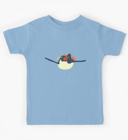 Swimming rockhopper penguin Kids Tee
