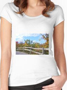 WEATHERED SPLIT RAIL FENCE & FALL COLORS Women's Fitted Scoop T-Shirt