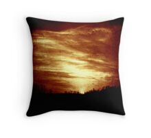 vintage sunset/sunrise over forest Throw Pillow