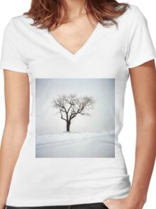 Old Tree in the Snow Women's Fitted V-Neck T-Shirt