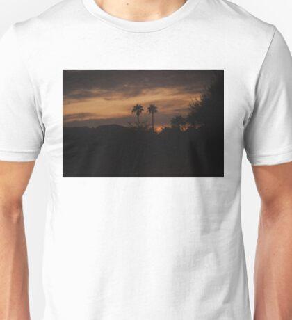 THREATENING STORM OVER COACHELLA VALLEY MOUNTAINS Unisex T-Shirt