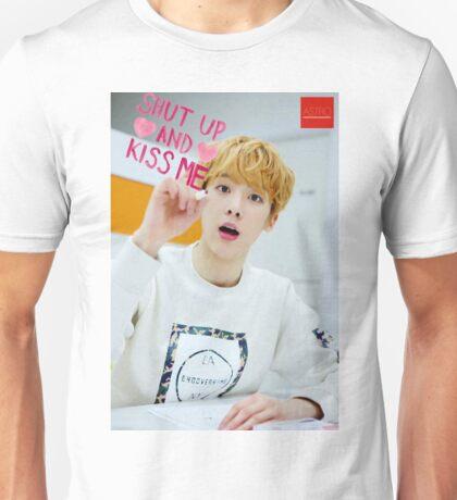 Astro K POP Unisex T-Shirt