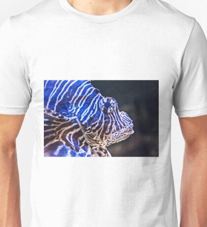 Devil firefish, or common lionfish (Pterois miles) Unisex T-Shirt