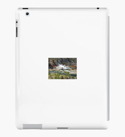 Hot Springs near Owens Valley iPad Case/Skin