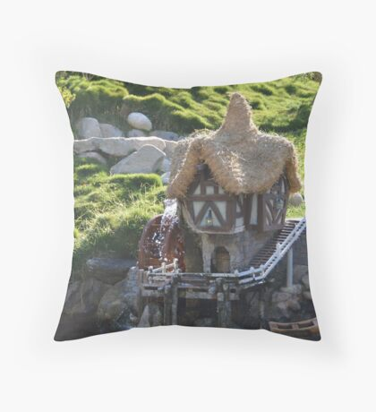 Cottage A Quaint Resting Home Holiday House Throw Pillow