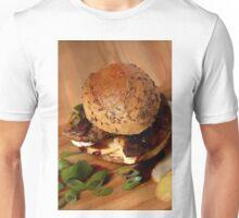 Milzwurst-Burger mit Balsamico-Zwiebeln Unisex T-Shirt