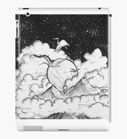 Birds flying high iPad Case/Skin