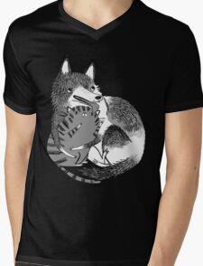 husky loves kitty Mens V-Neck T-Shirt