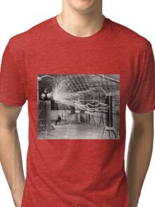 Nikola Tesla with his equipment (June 17, 1901) Tri-blend T-Shirt