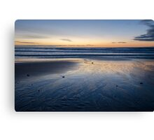 Sunrise and the ocean Canvas Print