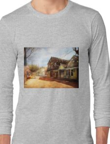 City - California - The town of Downieville 1933 Long Sleeve T-Shirt