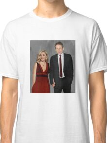 Gillian Anderson and David Duchovny attend Emmy Awards 2017 Classic T-Shirt