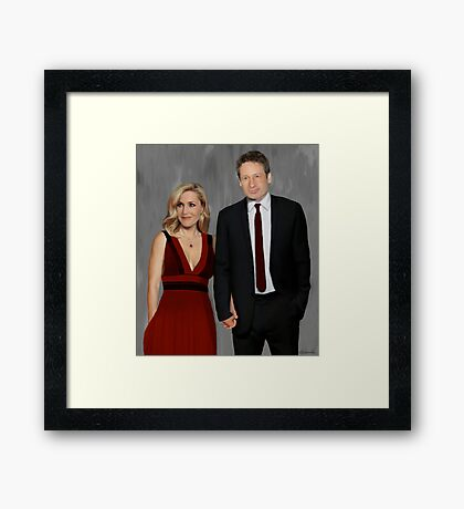 Gillian Anderson and David Duchovny attend Emmy Awards 2017 Framed Print