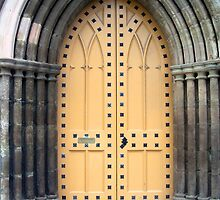 A Kirk (church) door in Perth by biddumy