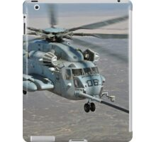 CH-53E on Refueling Mission iPad Case/Skin