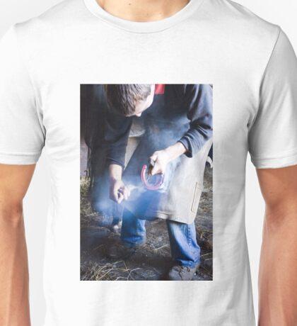 Farrier measuring hot shoe for size Unisex T-Shirt