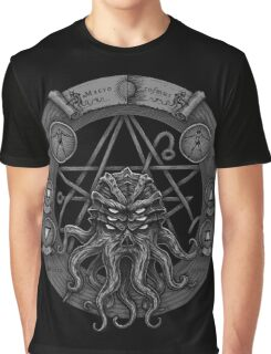 Cthulhu Pentagram (Dark) Graphic T-Shirt