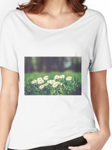White Daisies Women's Relaxed Fit T-Shirt