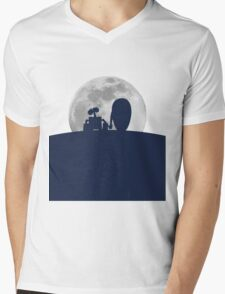 Wall•E and EVE in the Moonlight, Awwwww. Mens V-Neck T-Shirt