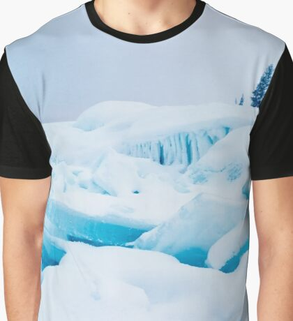 Jumbled lake shore ice winter landscape Graphic T-Shirt