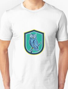 Great Horned Owl on Branch Shield Retro T-Shirt