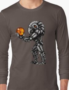 Chozo Holding Samus T-shirt Long Sleeve T-Shirt