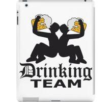 drinking team freunde team crew riesig groß durst logo bier krug saufen trinken party feiern spaßtrinken alkohol symbol cool shirt oktoberfest  iPad Case/Skin