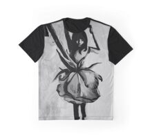 DANCING ROSE Graphic T-Shirt