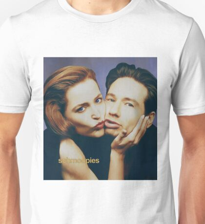 The Schmoopies - Gillian and David painting Unisex T-Shirt