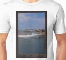 Cruise Ship, The Grand Harbour, Valletta Unisex T-Shirt