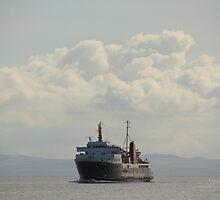 MV Isle of Arran approaching Brodick by Jonathan Cox