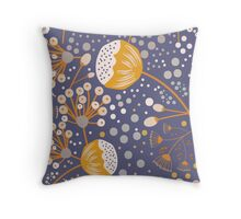 Petite Blumen violette Throw Pillow