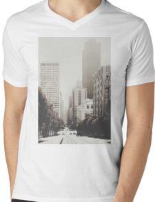 San Francisco I Mens V-Neck T-Shirt