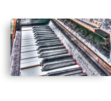 Old Piano Canvas Print