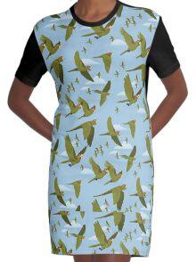 Parakeet Migration Robe t-shirt