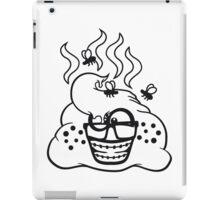 nerd geek hornbrille schlau klug zahnspange pickel fliegen stinken scheiße kacke haufen kot riechen ekelhaft häufchen comic cartoon  iPad Case/Skin
