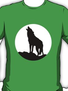 Howling wolf and moon silhouette T-Shirt